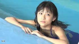 パチンコ水着パンツ女子3.jpg