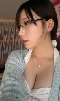パチンコ動画見てほしい巨乳女子4.jpg